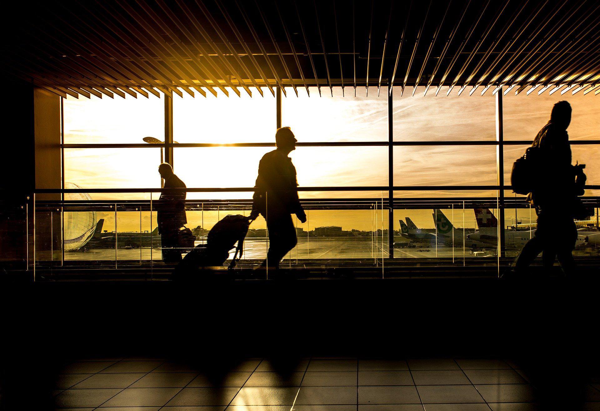 Podróż biznesowa – niezbędne gadżety technologiczne