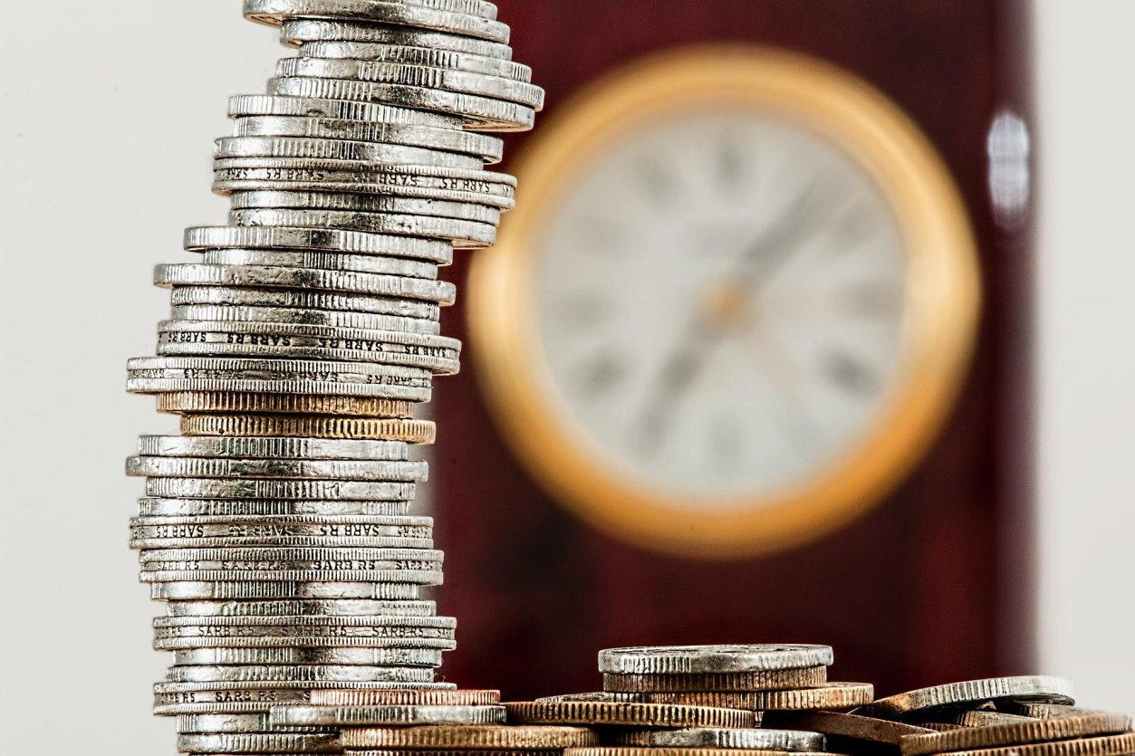 Oszczędzanie dla młodych – najpopularniejsze produkty bankowe